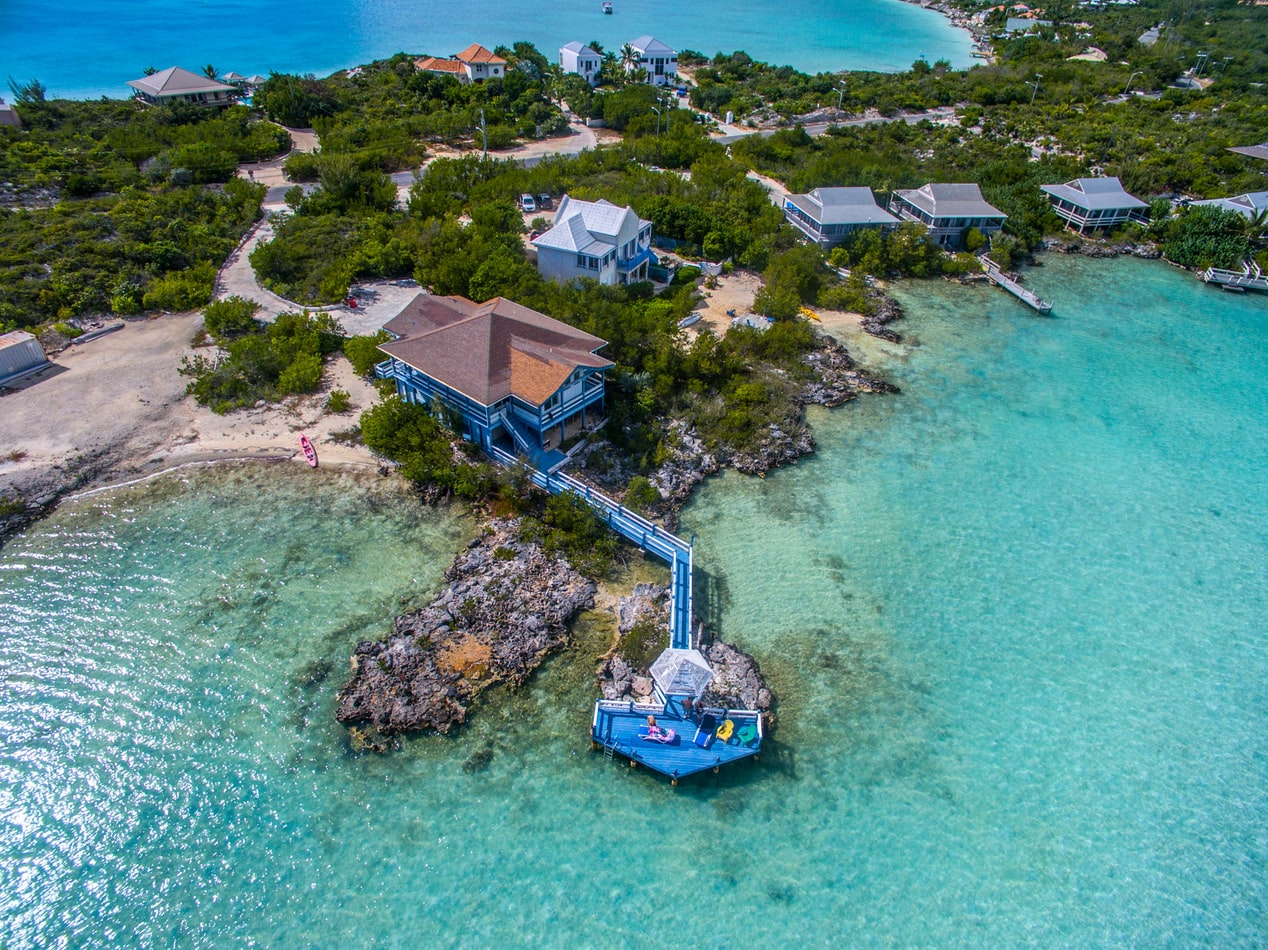 Just picture yourself sunning on that deck with the kids/grandkids snorkeling all around you!