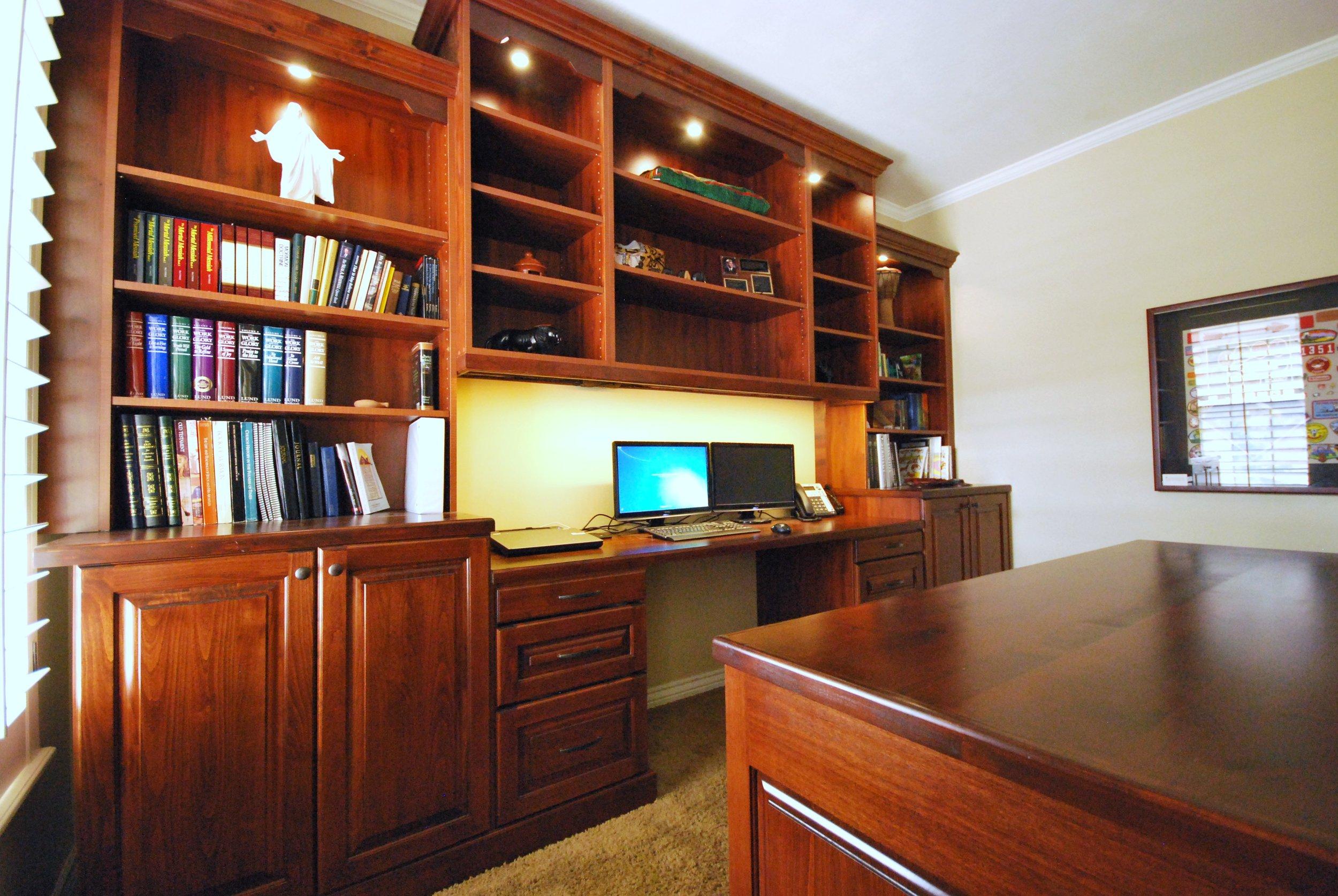 home office (2).JPG