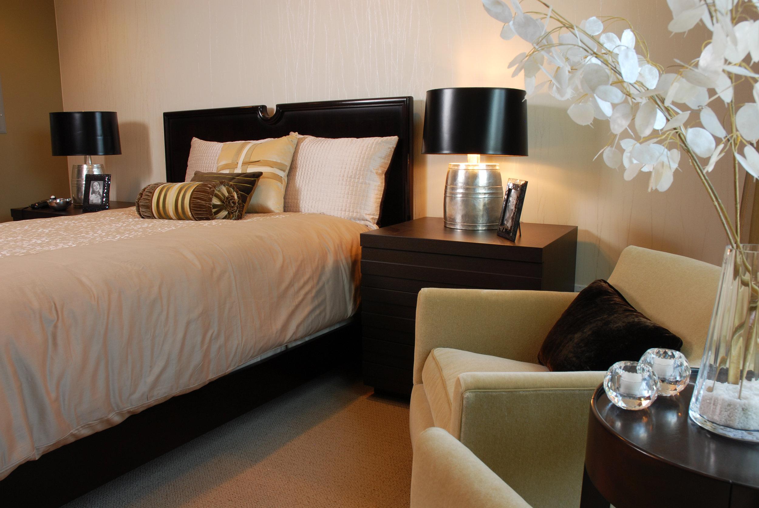 05_Room504_masterBedroom.jpg