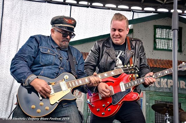 A bucket list moment for me! One of the highlights of my weekend in California at the Doheny Blues Festival was getting to play guitar along side Kid Ramos backing up Lindsay Beaver. I'm still smiling! 📷 by Robert Steshetz . . . . . . . #gibson #gibsonguitars #gibsonguitar #ernieball #tone #westcoast #california #guitar #reunionblues #gibsones330 #es330  #musicians #musicianslife #dohenybluesfestival #professionalmusician #festival #guitarhero #blues #bluesmusic #bucketlist #bradstivers #kidramos #guitarplayer @gibsonguitarjunkie @gibsonguitars #gibsonguitarjunkie #gibsonsofinstagram #bluesguitar @bob_by_request @kidramosmusic