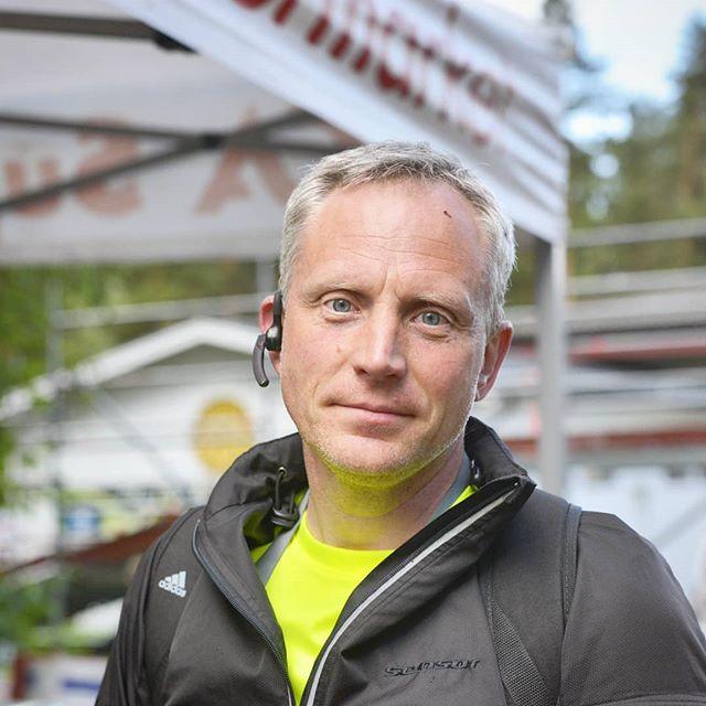 Den som har varit ansvarig för banorna (både Borlänge Tour och Lugnet XCO) är Fredrik Dahlgren. Fredrik är även ledamot och vice ordförande i Borlänge cykelklubbs styrelse. Rattar gärna en lastbil ibland. 🚚🚛 . #borlängeck #borlängetour #mtbsweden #instadalarna #mittborlänge #dtläsarbild #dalabilden #visitdalarna #trevligtfolk