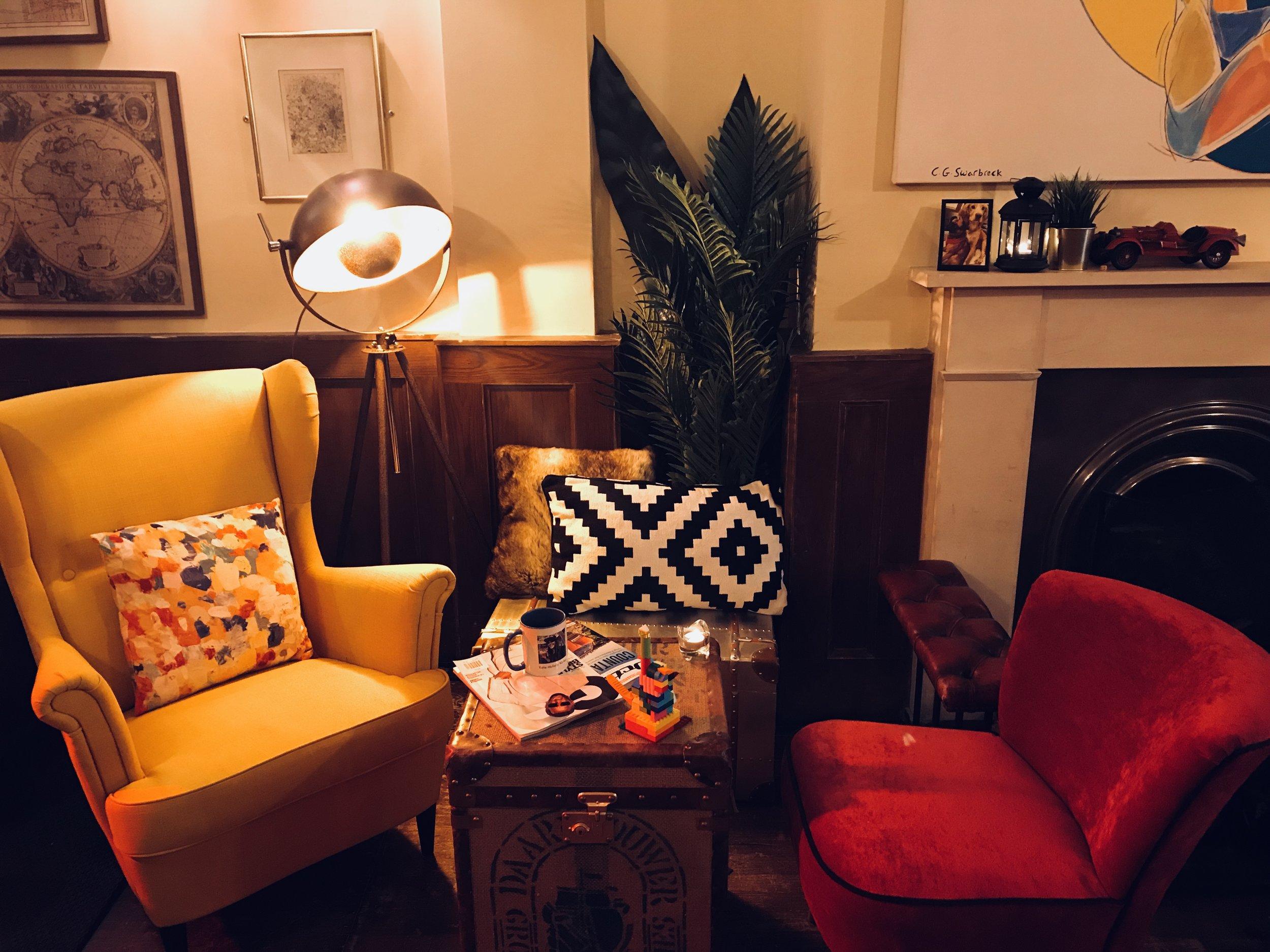 Coffee-table-seating-1.jpg
