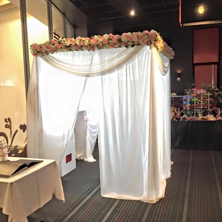 Floral+booth.jpg
