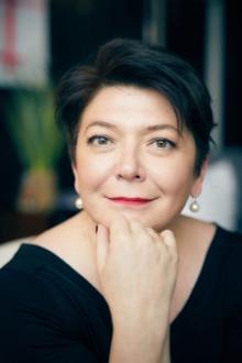 Elena Khomenko.jpg