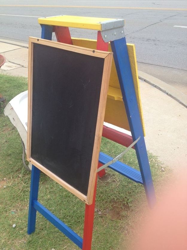 Re-purposed Ladder Into Easel