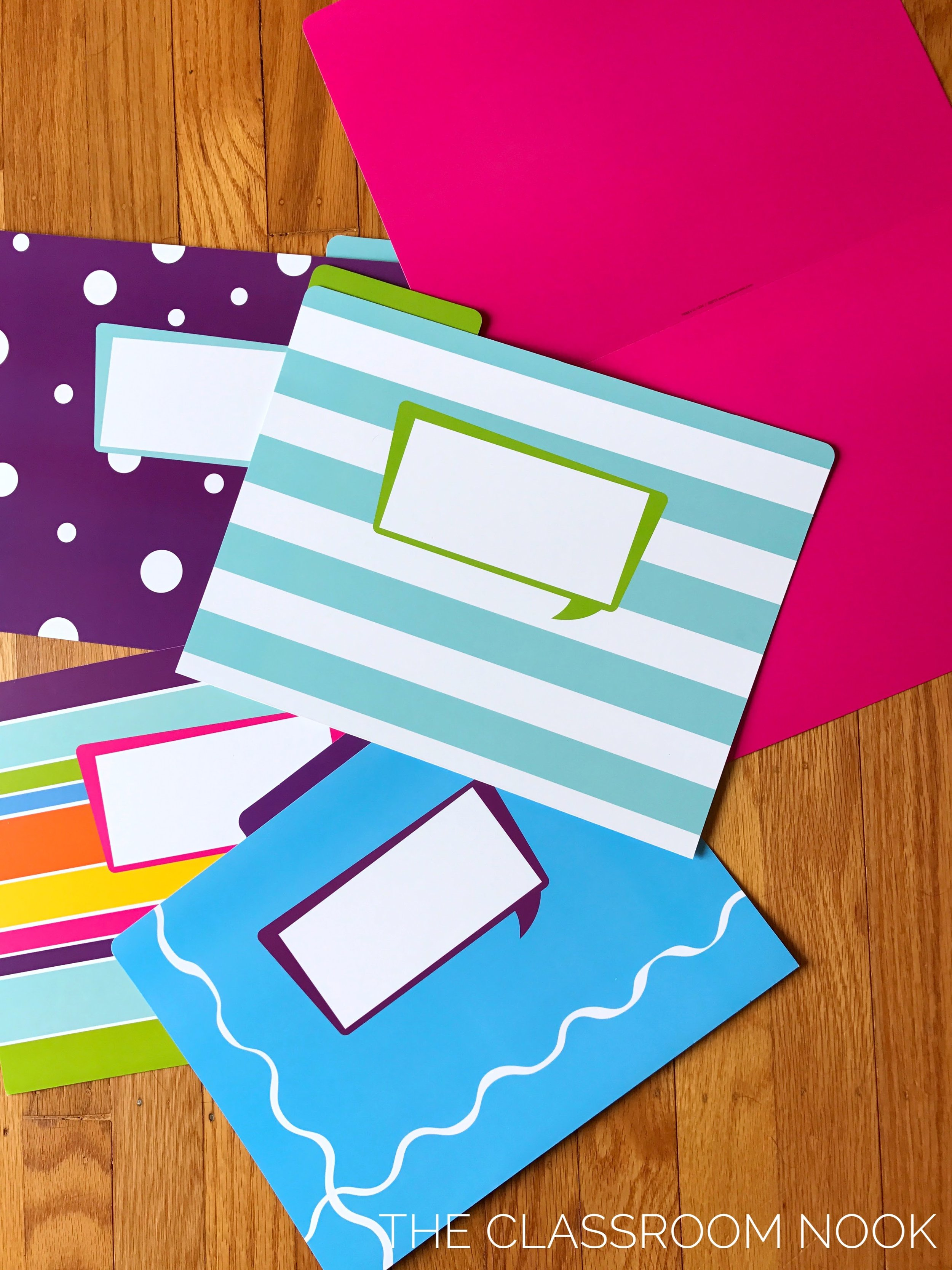 A writer's toolkit is easy to create using file folders!