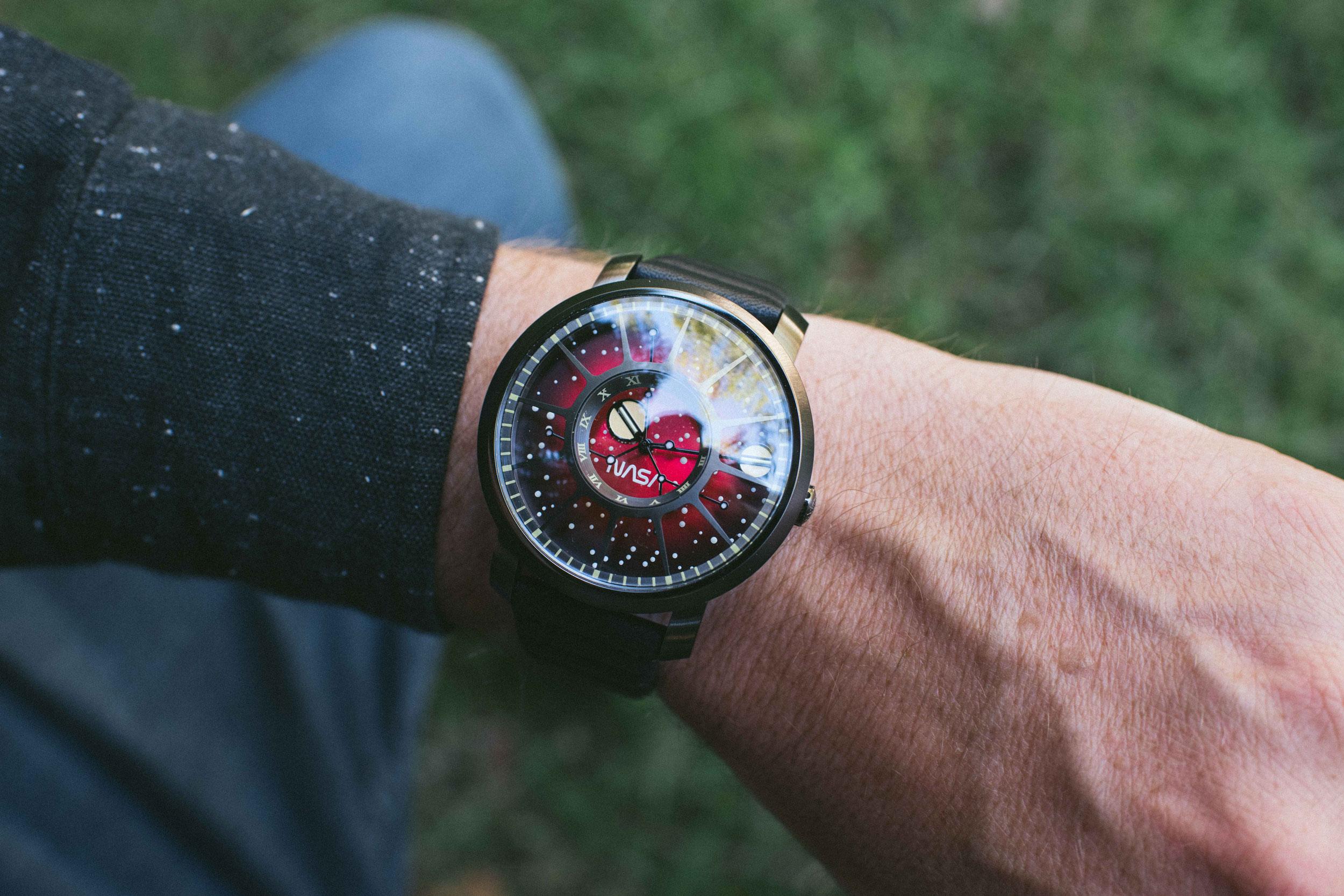xeric-trappist-1-nasa-wrist-red-dwarf.jpg