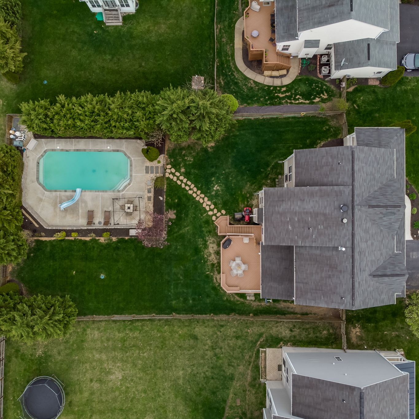 Real Estate Videography - Give your property the spotlight it deserves with services like our 60-second highlight video optimized for social media, aerial footage (where permitted), and full length home tour videos.