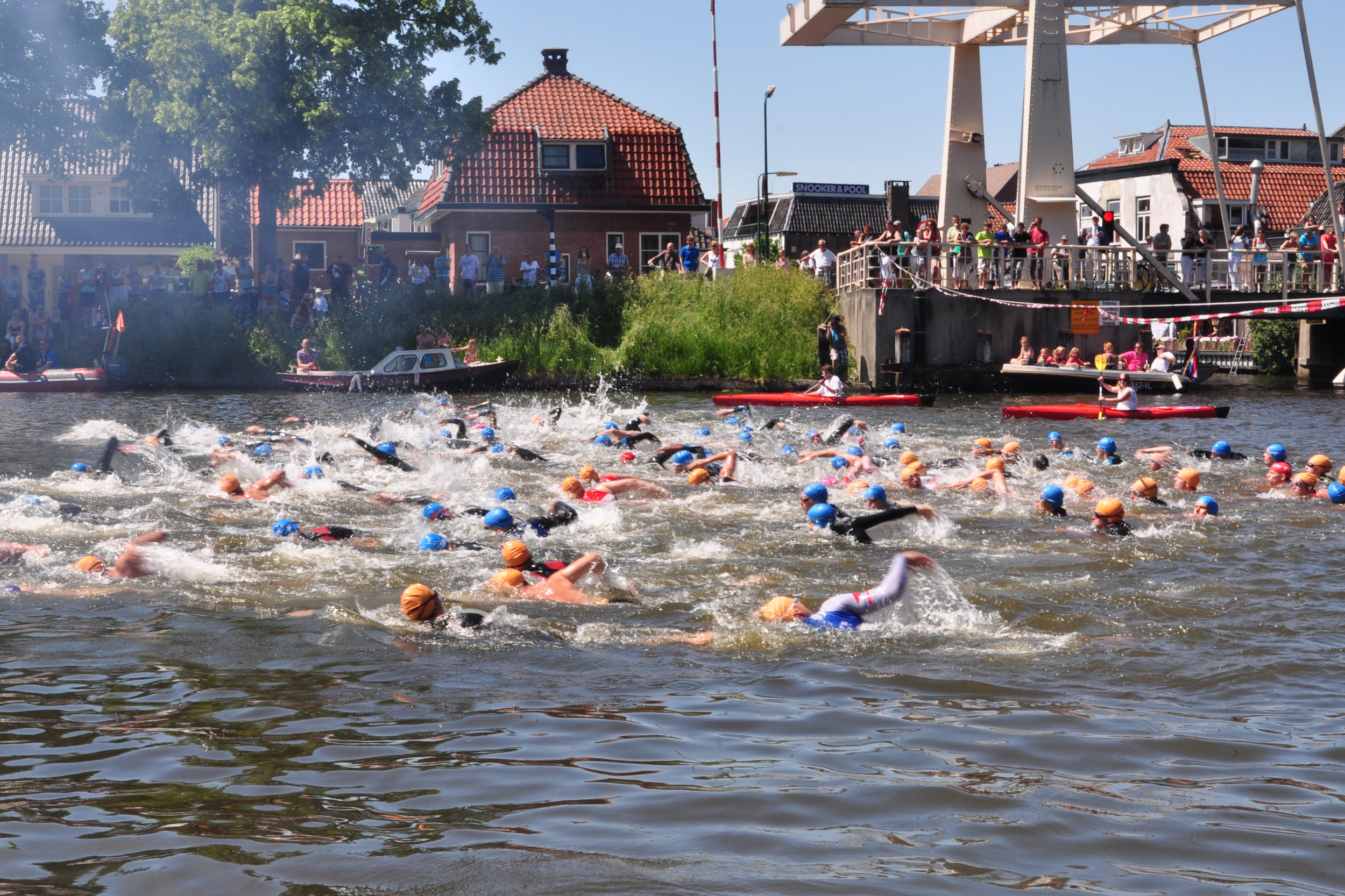 Triathlon open water start - this is where the mental game starts. Are you captured by the cold? Panicky when you see arms and legs everywhere around you? Do you lose your orientation? How do you cope under pressure?