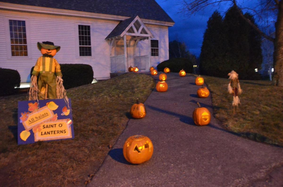 lit pumpkins 2.jpg