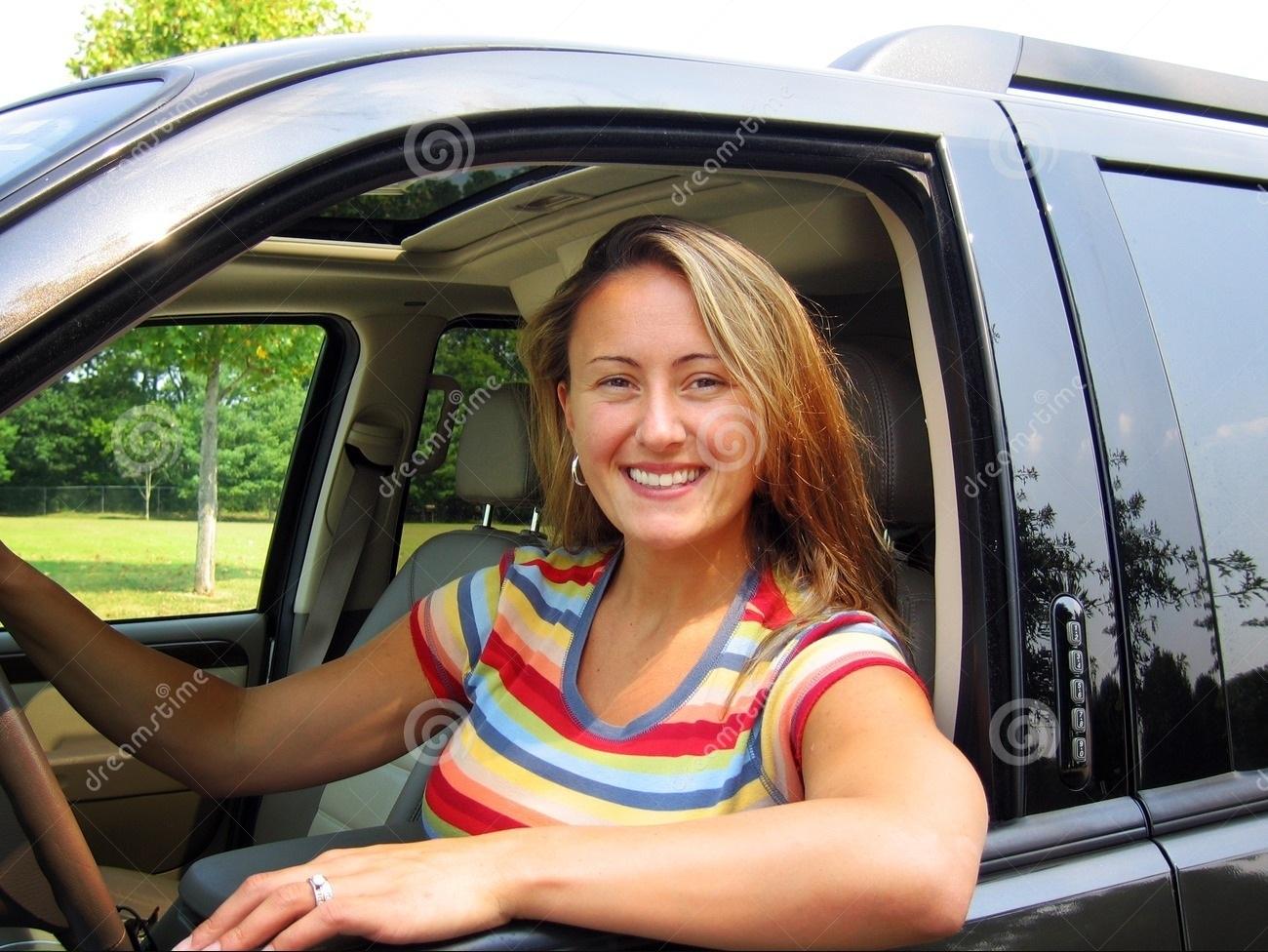 woman-driver-1014033.jpg