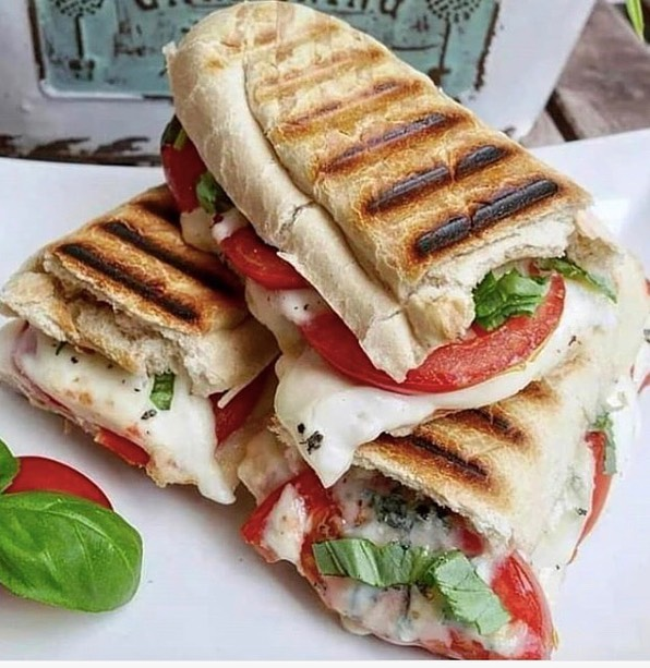Mmmmmm. Cheesyyyyy. It's National Panini Day! There's only one way to celebrate... 💭 📸: @benfit