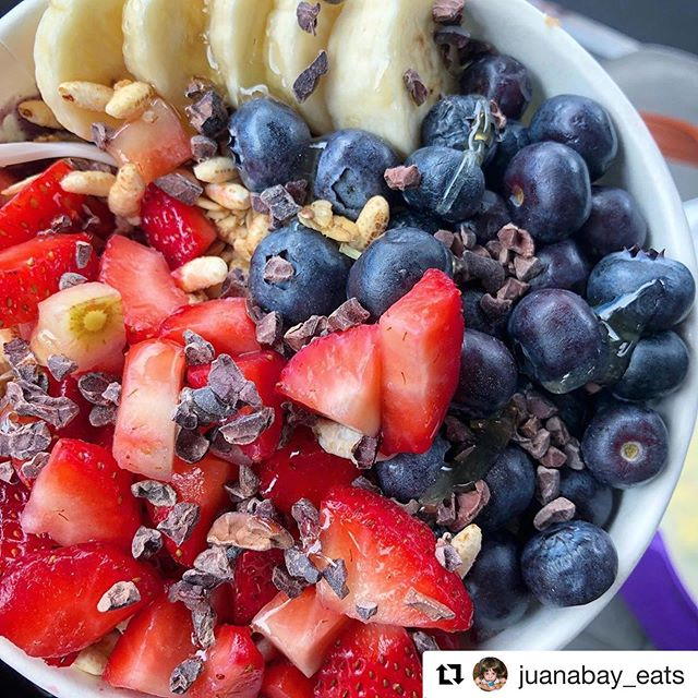 Thanks for the love!! 🙏🙏🙏❤️❤️❤️ . . #Repost @juanabay_eats ・・・ Pow Pow Bowl 💯 @sunshinebowlsco - - - #smoothie #acaibowl #smoothiebowl #smoothiebowls #blueberry #berrysmoothie #granola #breakfast #cleaneating #healthymeal #healthybreakfast #homemade #cleaneats #eathealthy #breakfasttime #prettyfood #sundaybrunch #eater_denver #denverfood #denvereats  #5280eats #denvermunchies