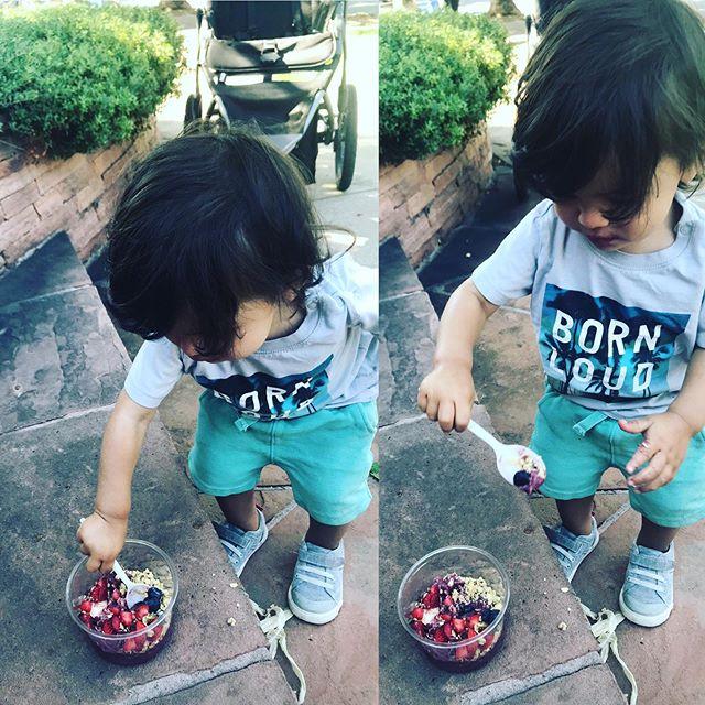Kid tested, mother approved!! @sunshinebowlsco @ashaann21 #acaibowl #powpow #farmersmarket #sunshinebowlsco #taj #lyndon #healthyfood #denver #denverkids