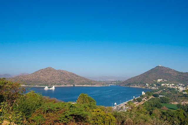 "Moti Magri (""Pearl hill"") is a hill in India. It overlooks the Fateh Sagar Lake in the city of Udaipur, Rajasthan.  #rajasthan #udaipur #rajasthan #fromindiawithlove #nationalgeographic #indian #canadiantraveller #motimagri"
