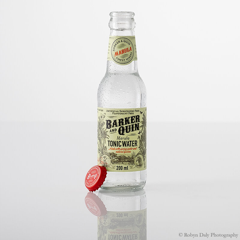 ROBYN-DALY-BOTTLE-PRODUCT-PHOTOGRAPHY-00023859.jpg
