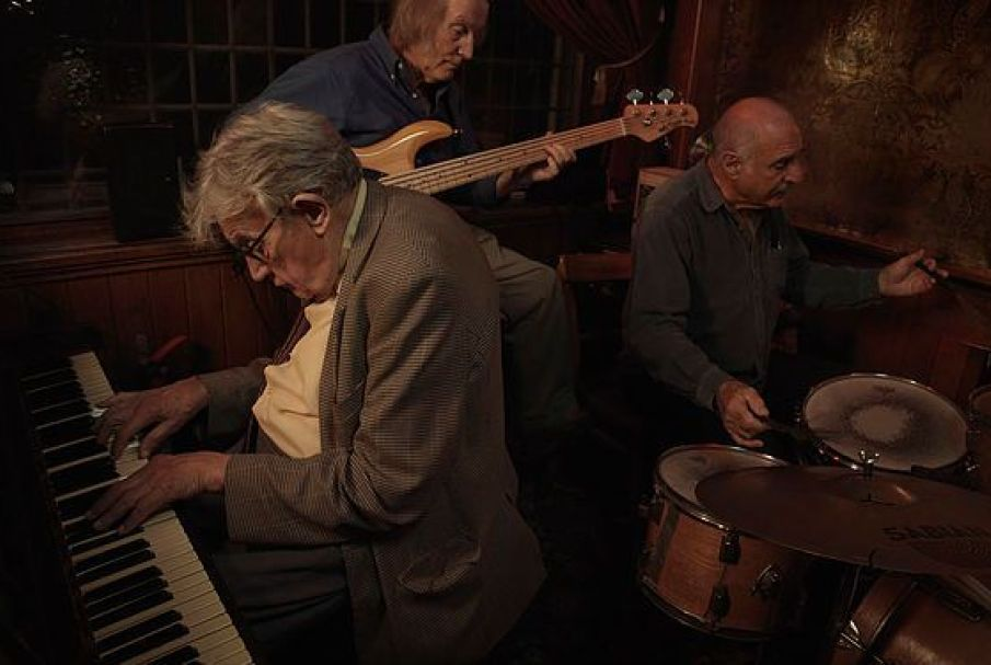 Tom Oldham 'Last of the Crooners'