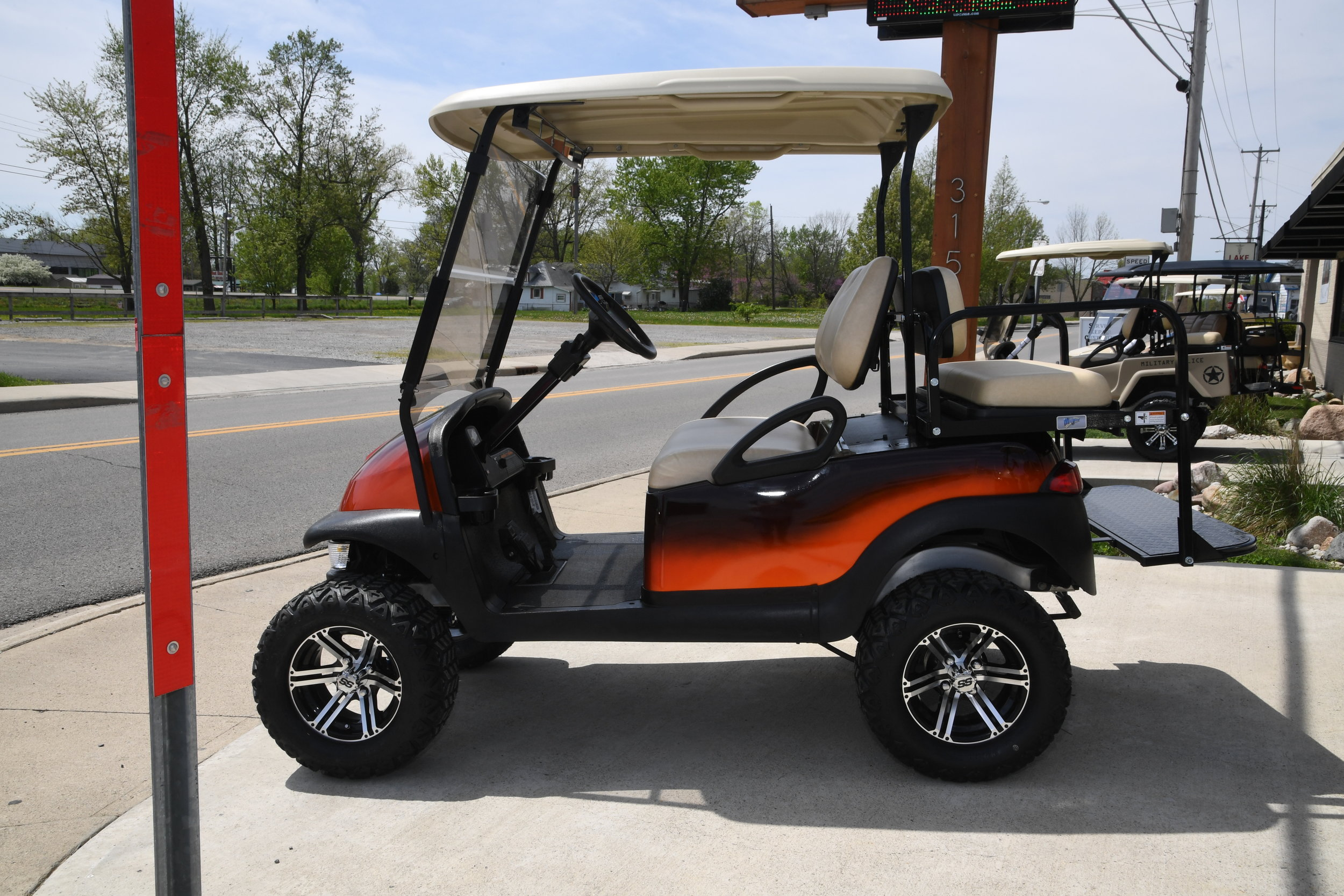 golf cart world 044.JPG