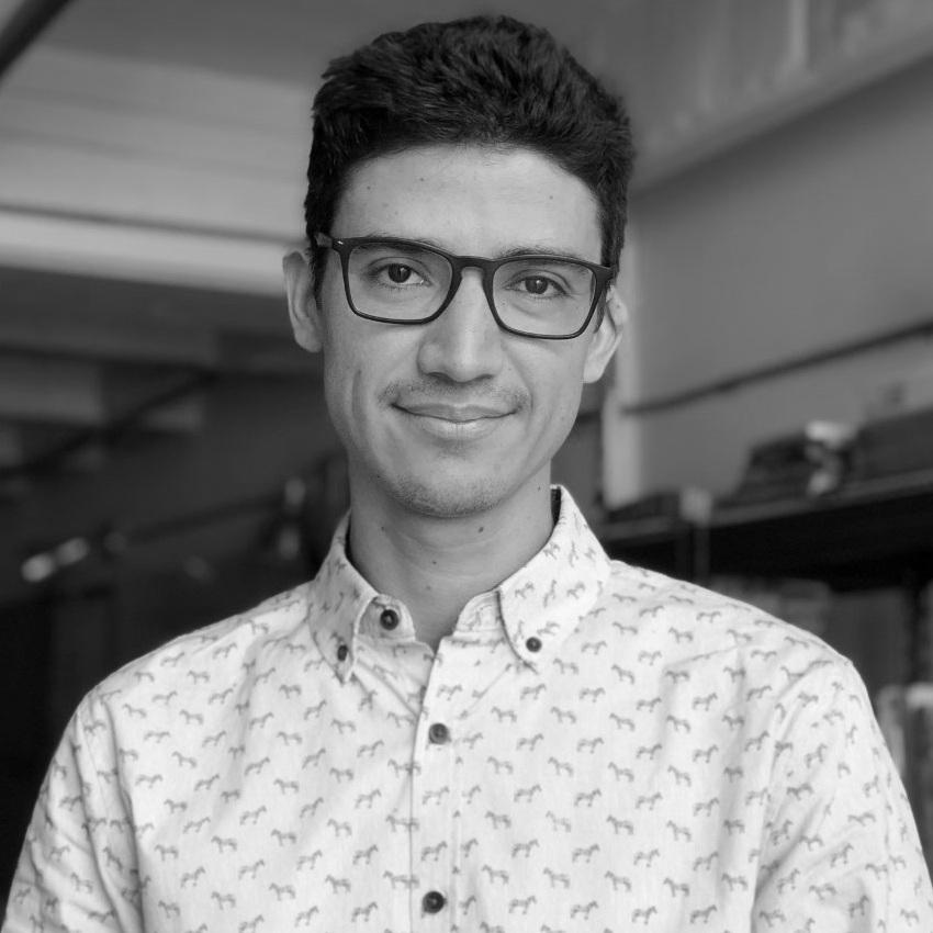 Santiago López Posada   Arquitecto. Profesor Taller de Proyectos Facultad de Arquitectura UPB y USB. Es Coordinador Asociado de Proyectos y de Gestión de Operaciones.
