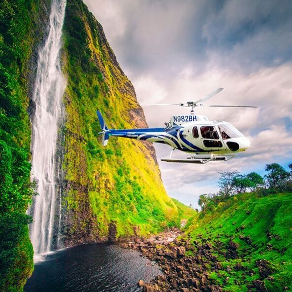 Kohala Waterfalls and Landing. #bigisland #helicopter #waterfalls