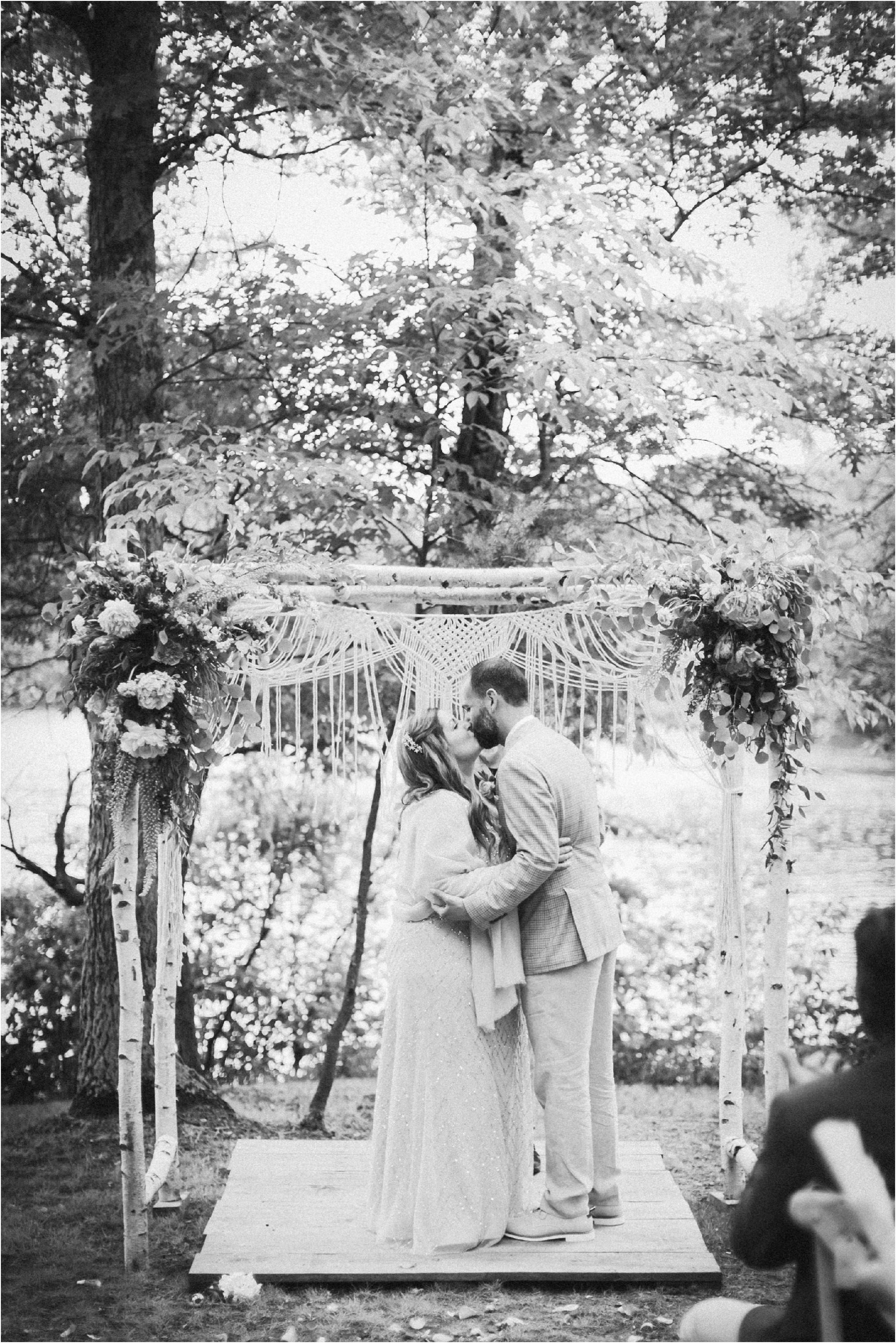 Wedding Photography Brainerd MN Aimee Jobe Photography Private Lake Residence Bloom Designs_0036.jpg