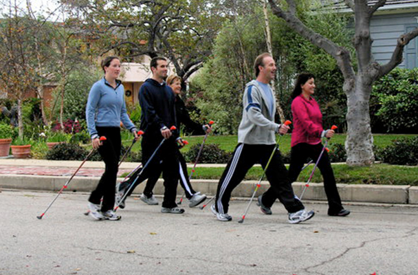BUILD NORDIC WALKING COMMUNITY