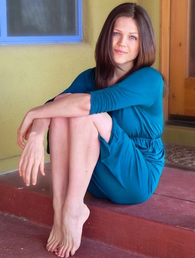 Courtney Pool - Welcome! I'm Courtney Pool, and I coach plant-based nutrition, holistic health, juice cleansing, and healing compulsive eating. Radical Radiance is a phrase I chose to bring imagery to the way I view health and life. I believe our experience of being alive, and our health, should be not only radiant on all levels, but radically so. I have now been eating a plant-based diet and living a holistic health lifestyle for nearly 8 years, and I have Juice Feasted and fasted for over 198 days, including a consecutive 60-Day Juice Feast. For over 5 years, I worked as a supervisor at the Tree of Life Rejuvenation Center, founded by Gabriel Cousens, M.D. At the Tree of Life, I taught nutrition and cleansing classes as well as lead guest support sessions for all guests, including fasting participants, and held various administrative roles.Learn all about having Courtney as your Coach right here.