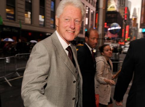 Bill-Clinton-declares-vegan-victory-MIALA8S-x-large.jpg