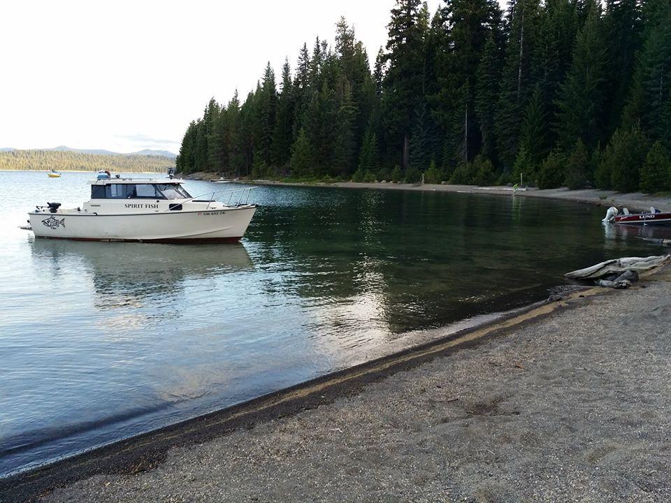 fish rod boat crescent.jpg