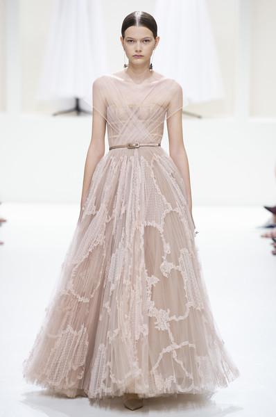 GlossyPark Christian+Dior+Fall+2018+B6RFWkBGfSEl Couture.jpg