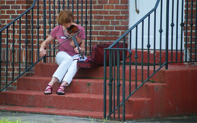 fiddle player on steps.jpg