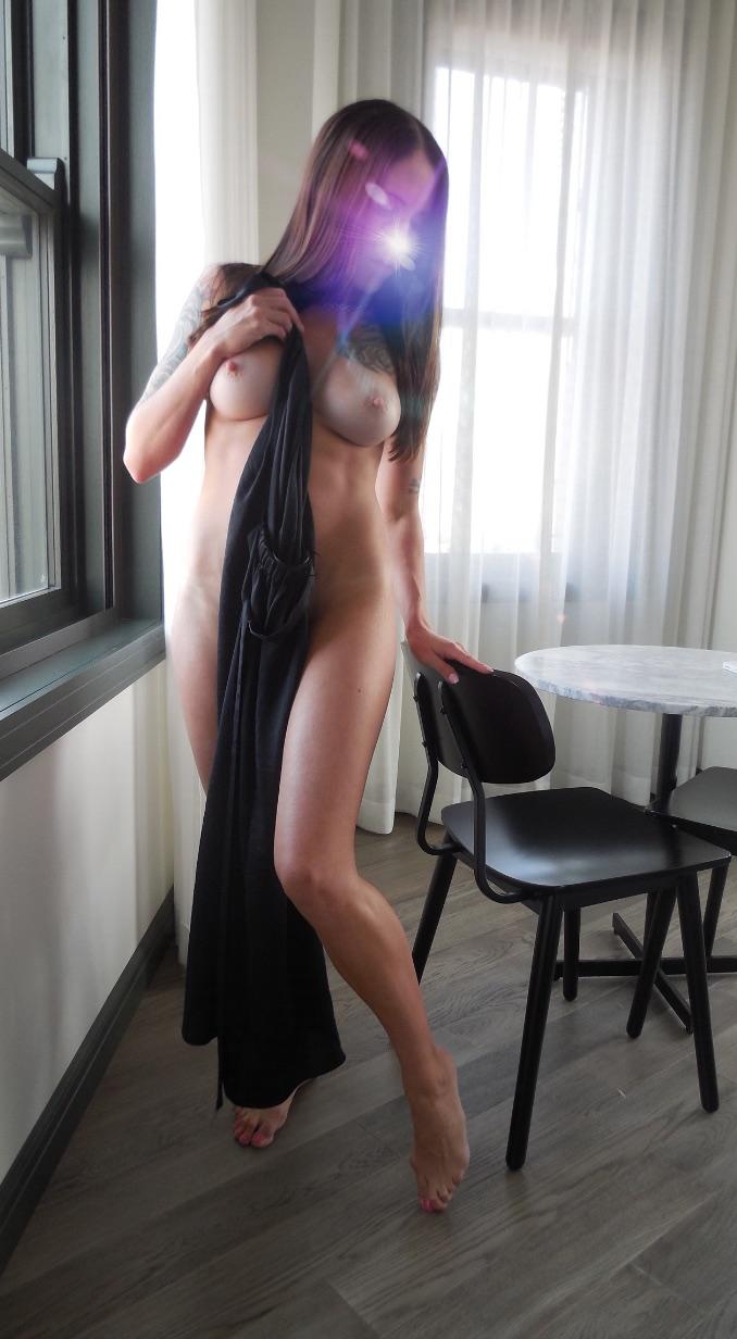 blackdress1.jpg