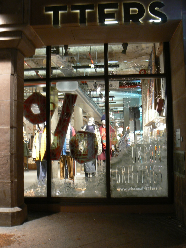 UO-Nuremberg-front window.JPG