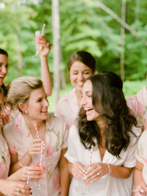 RR_600x800_bride with maids, laughing, pink straws in champagne.jpg