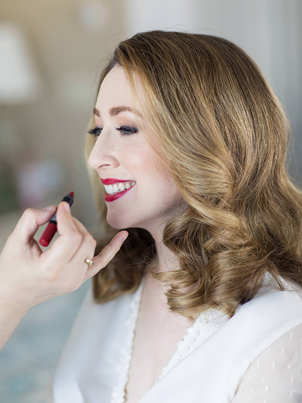 RR_600x800_vintage curls getting lips done.jpg