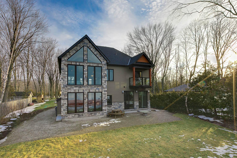 georgina_lakefront_custom_home-construct_conserve_1.jpg