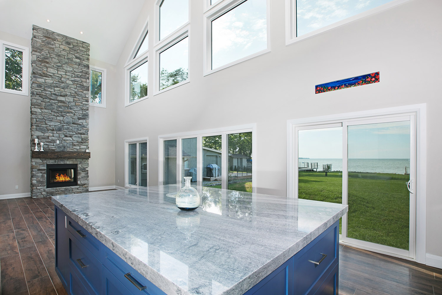 pefferlaw_lakefront_two_story_custom_home--construct_conserve_21.jpg