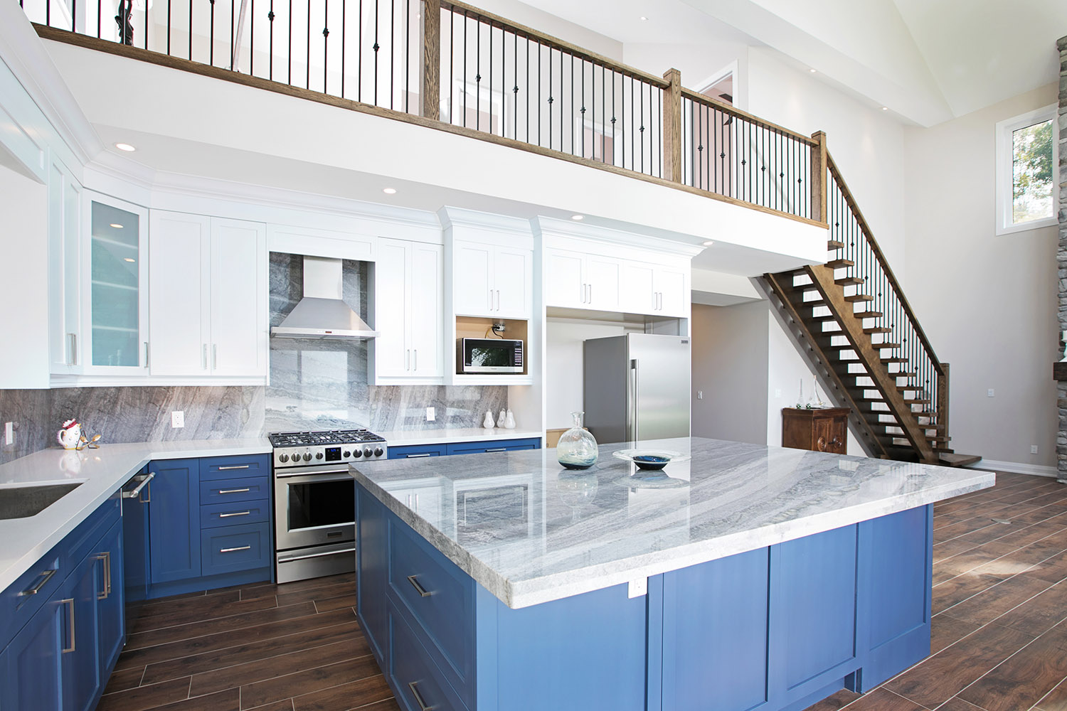 pefferlaw_lakefront_two_story_custom_home--construct_conserve_20.jpg