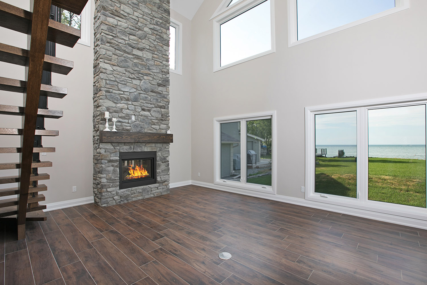 pefferlaw_lakefront_two_story_custom_home--construct_conserve_13.jpg
