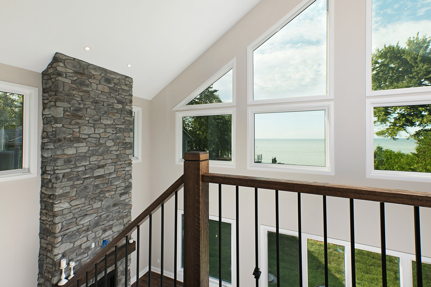 pefferlaw_lakefront_two_story_custom_home--construct_conserve_30.jpg