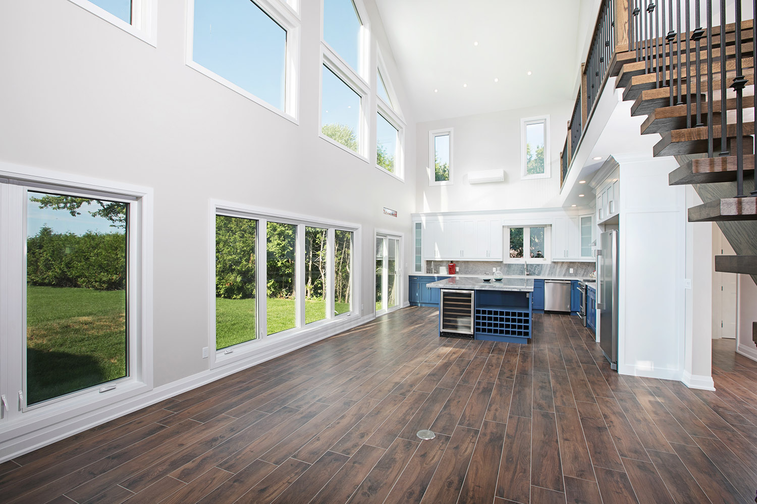 pefferlaw_lakefront_two_story_custom_home--construct_conserve_14.jpg