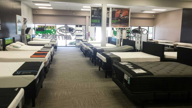 Levitz Mattress (Grand Prairie, TX)