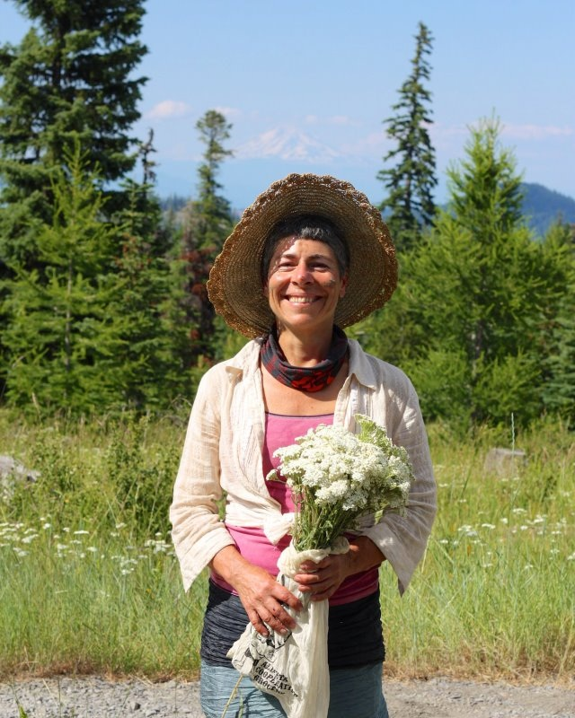 Saliha - Saliha is a singer and sound healer who loves creating relationships with plant spirit-beings through the intimate connection of the voice,