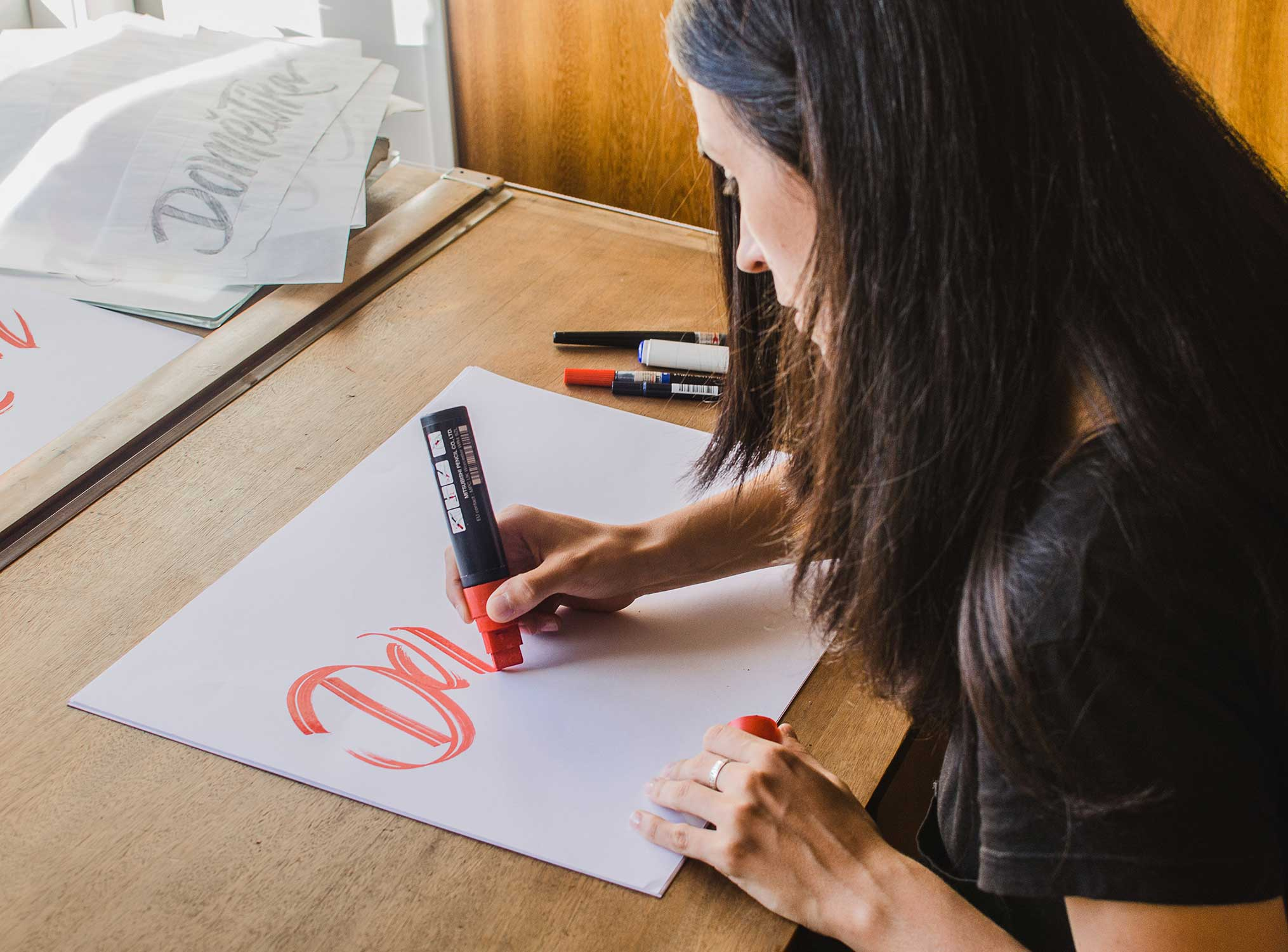 «El lettering como identidad»  (Lettering as Branding), our Domestika online workshop.