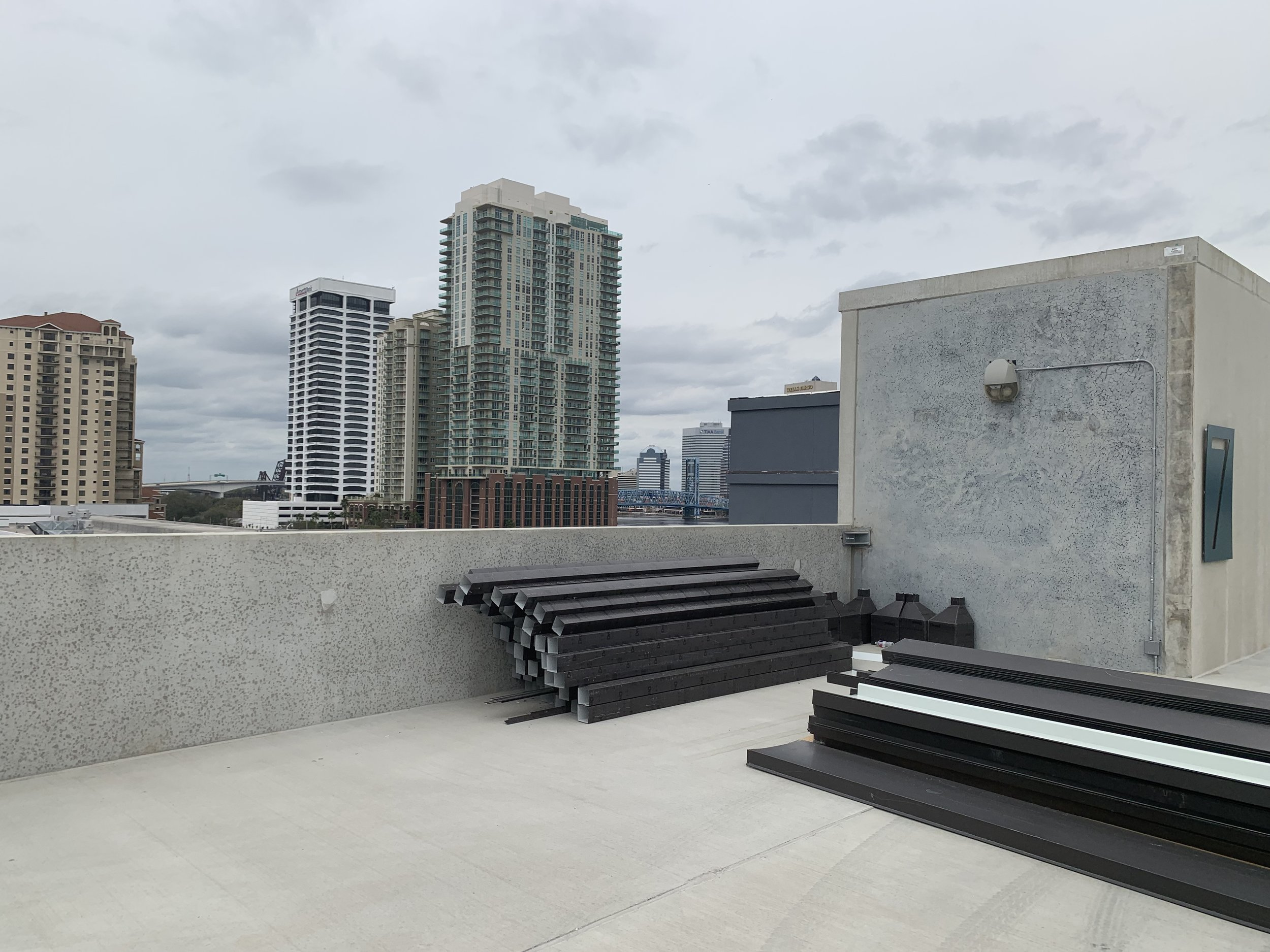 Project Summary - Alliance Residential's Broadstone River House riverside apartments embody a visionary, future-facing design, signaling a new horizon of Jacksonville living.Opening it's doors summer 2019, the $26.6 million, six-story complex will feature 300-units, with direct walking access to the St. Johns River.