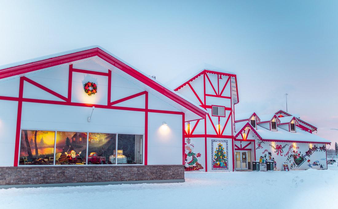 santa-claus-house-north-pole-alaska-59_orig.jpg