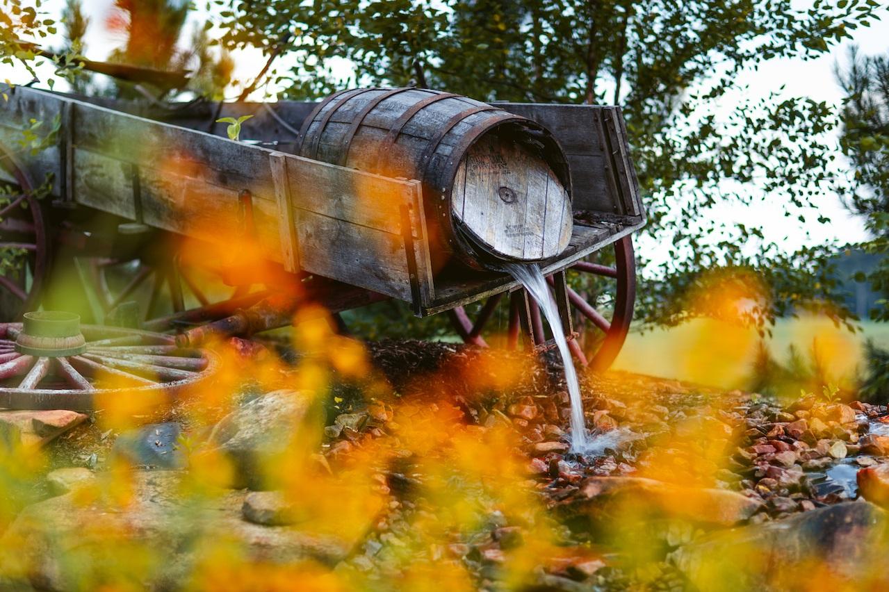 randi-schuette-photo-the-barn-at-heritage-farm-nc-wedding-edwards-details62.jpg