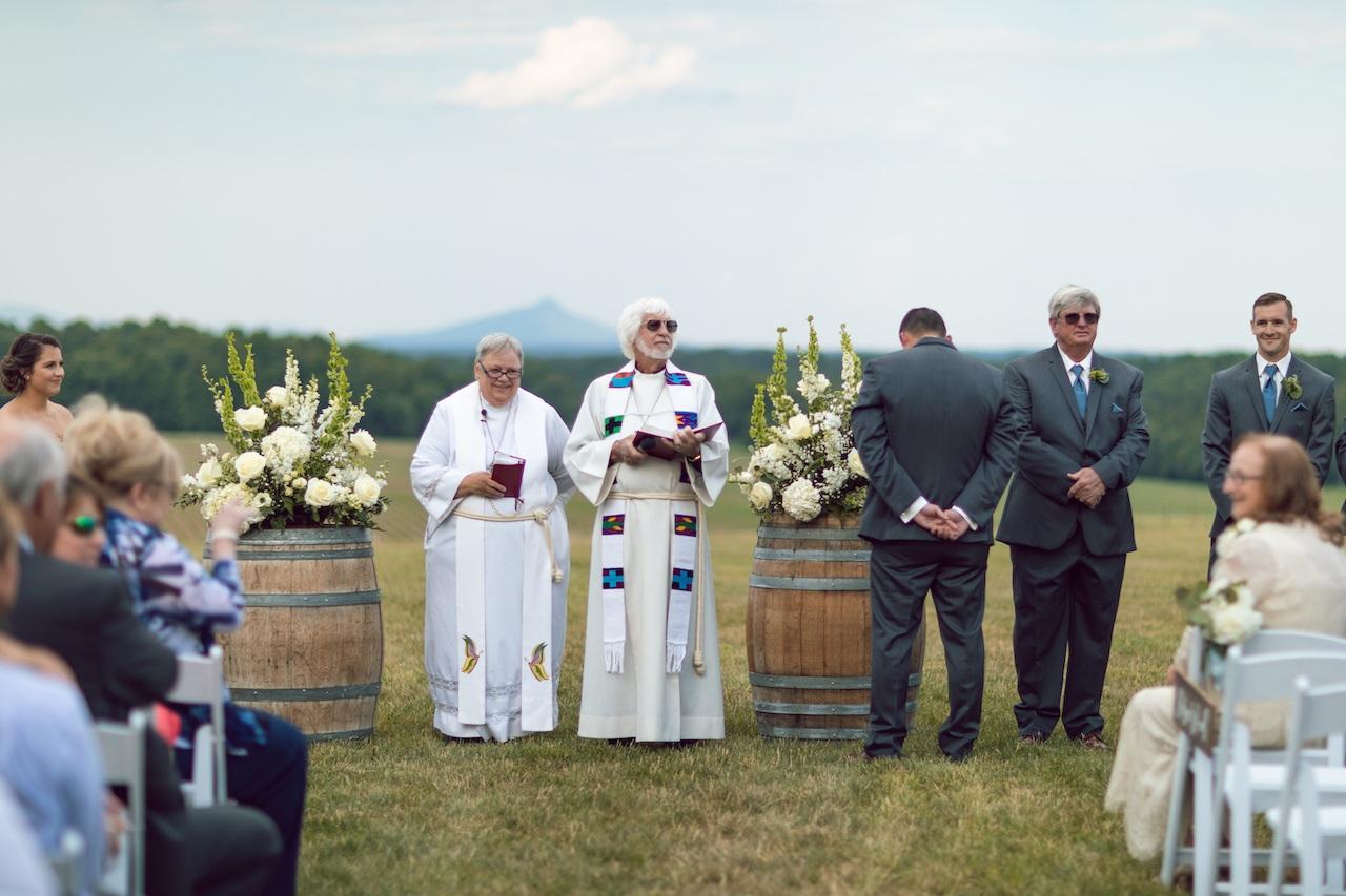 randi-schuette-photo-the-barn-at-heritage-farm-nc-wedding-edwards-ceremony28.jpg