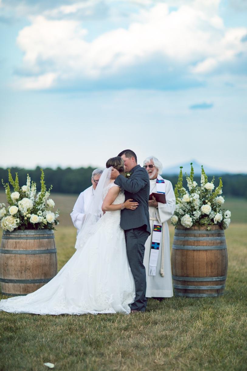 randi-schuette-photo-the-barn-at-heritage-farm-nc-wedding-edwards-ceremony70.jpg