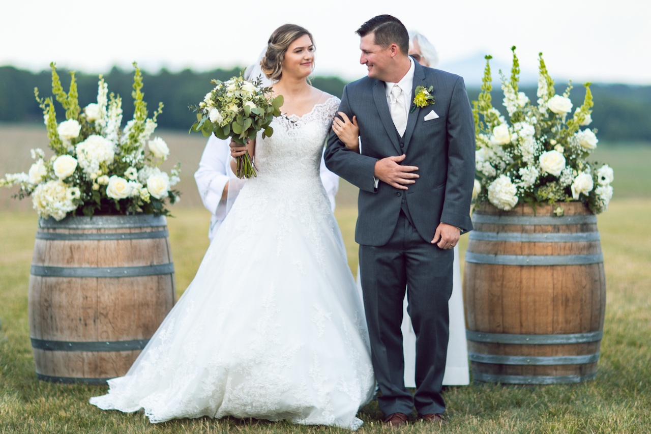 randi-schuette-photo-the-barn-at-heritage-farm-nc-wedding-edwards-ceremony76.jpg